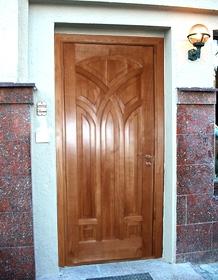 двери входные филенчатые недорого